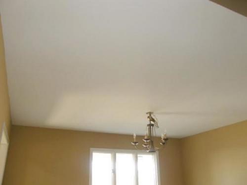 Потолка в комнате ремонт. Ремонт потолка своими руками – 4 варианта проведения работ